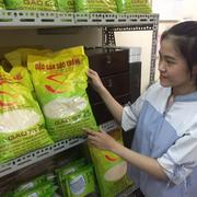 Gạo ST25 ngon nhất thế giới liên tục cháy hàng tại TP HCM