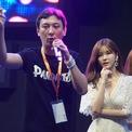 """<p class=""""Normal""""> Năm 2011, anh thành lập công ty thể thao điện tử Invictus Gaming và đạt được nhiều giải thưởng trong các cuộc thi eSports. Năm 2015, Vương lập ra Panda TV và đưa công ty này trở thành một trong những kênh phát trực tiếp hàng đầu Trung Quốc bên cạnh Huya và Douyu. Tuy nhiên, Panda TV phá sản hồi tháng 3 năm nay.</p> <p class=""""Normal""""> Trong lĩnh vực giải trí, Vương Tư Thông lập ra Banana Culture và đầu tư vào một số dự án âm nhạc, điện ảnh. Ngoài ra anh còn là đại diện pháp nhân của nhiều công ty khác. Năm 2017, tạp chí Hồ Nhuận ước tính Vương sở hữu tài sản khoảng 5 tỷ nhân dân tệ (hơn 700 triệu USD) (Ảnh: <em>CFP</em>)</p>"""