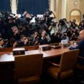 """<p class=""""Normal""""> Ông Gordon Sondland, Đại sứ Mỹ tại Liên minh châu Âu, tới Capitol Hill để tham gia phiên điều trần trước Hạ viện Mỹ vào ngày 20/11. Ông Sondland thừa nhận Tổng thống Donald Trump đã chỉ đạo ông gây sức ép để buộc Ukraine điều tra đối thủ trong cuộc đua vào Nhà Trắng.<br /><br /><span>Ông thừa nhận đã có sự """"đổi chác"""" trong việc yêu cầu Ukraine điều tra con trai của cựu Tổng thống Mỹ Joe Biden, đối thủ của ông Trump trong cuộc bầu cử Tổng thống Mỹ năm sau. Trong đó, tân Tổng thống Ukraine Volodymyr Zelensky sẽ được dàn xếp một """"chuyến thăm tới Nhà Trắng"""". Thậm chí ông Sondland cũng khẳng định Ngoại trưởng Mỹ Mike Pompeo hoàn toàn ủng hộ các nỗ lực thúc đẩy điều tra của Tổng thống Trump. </span><br /><br /><span style=""""color:rgb(34,34,34);"""">Phản ứng trước các phát ngôn của ông Sondland, Tổng thống Trump khẳng định ông không biết rõ về vị đại sứ này. Trong khi đó, Bộ Ngoại giao Mỹ phủ nhận các cáo buộc của ông Sondland đối với ông Mike Pompeo, còn trợ lý của Phó Tổng thống Mike Pence thì cho rằng chưa từng có cuộc nói chuyện nào với ông Sondland về vấn đề viện trợ quân sự cho Ukraine.</span><span>Ảnh: </span><em>AP</em><span>.</span></p>"""