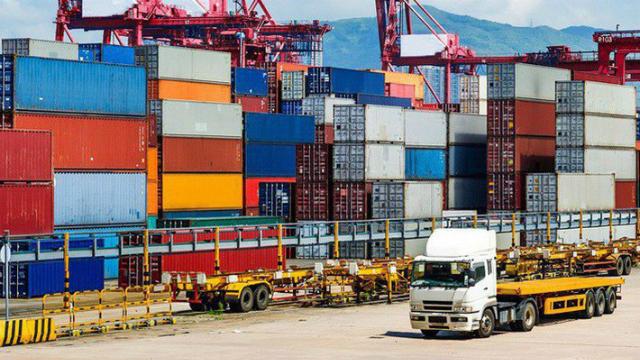 Có nhiều bất cập của logistics ảnh hưởng tới quá trình sản xuất và thương mại nông sản.