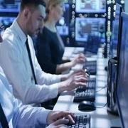 Ngày 25/11: Khối ngoại mua ròng trở lại 64 tỷ đồng, tập trung gom CCQ ETF nội