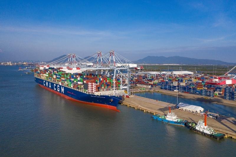 Cảng Cái Mép mới phát triển phần… mép!