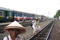 Đường sắt 100.000 tỷ đồng Hải Phòng- Lào Cai: Lãng phí?