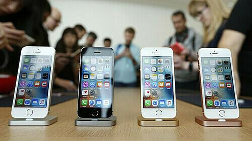 Các thiết bị di động của Apple không phù hợp với luật quản lý thiết bị công nghệ mới của Nga. Ảnh: themoscowtimes