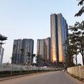<p> Sunshine City Hồ Tây được Tập đoàn Sunshine công bố từ đầu năm 2017, tọa lạc tại khu đô thị Nam Thăng Long (Ciputra). Dự án gồm 6 toà chung cư, tổng diện tích đất xây dựng hơn 4,2 ha.</p>