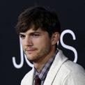 <p> Ashton Kutcher, diễn viên Mỹ nổi tiếng với vai Michael Kelso trong sitcom <em>That '70s Show</em> là nhà đầu tư quen thuộc của nhiều startup công nghệ. Anh đã rót vốn vào hàng chục công ty, bao gồm Spotify, Foursquare, Uber, Airbnb… (Ảnh: <em>Reuters</em>)</p>