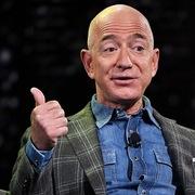 Chi gần 100 triệu USD làm từ thiện, ông chủ Amazon vẫn bị chỉ trích