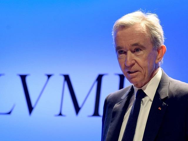Ông chủ Louis Vuitton có thể vượt qua Jeff Bezos và Bill Gates để trở thành người giàu nhất thế giới