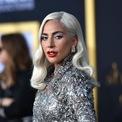 <p> Nữ ca sĩ Lady Gaga từng đầu tư vào Backplane - công ty phương tiện truyền thông xã hội cho phép những người nổi tiếng tương tác trực tiếp với người hâm mộ của họ. Ngoài Lady Gaga, Backplane còn có sự hậu thuẫn của một số tập đoàn cũng như người nổi tiếng như Sequoia, Coca Cola, Greylock Partners, Tomorrow Ventures, Google Ventures và nhà đồng sáng lập Google - Eric Schmidt. Năm 2016, công ty này tuyên bố phá sản. (Ảnh: <em>Getty Images</em>)</p>