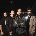 <p> Các thành viên của ban nhạc rock Linkin' Park đã thành lập một quỹ đầu tư mạo hiểm mang tên Machine Shop Ventures. Họ đầu tư vào nhiều startup khác nhau, từ ứng dụng bán cổ phiếu không tính phí giao dịch đến dịch vụ vận chuyển hàng Shyp, Blue Bottle Coffee… (Ảnh: <em>We grow</em>)</p>