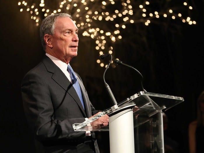 Ứng viên tổng thống Mỹ Michael Bloomberg kiếm và tiêu số tài sản 54 tỷ USD ra sao?
