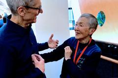 Gặp nữ lập trình viên lớn tuổi nhất thế giới, người truyền cảm hứng cho Tim Cook
