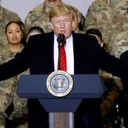 Trump bất ngờ đến Afghanistan
