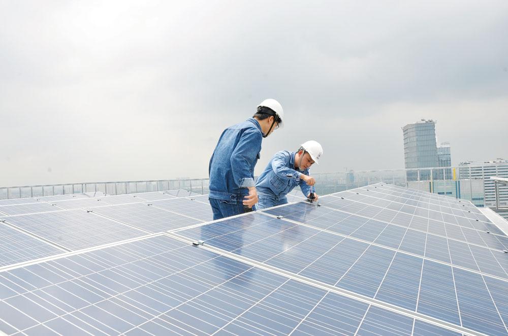 Phó Chủ tịch Hiệp hội Năng lượng: Đừng phát triển dự án điện mặt trời lớn rồi đòi xây đường dây 500 kV