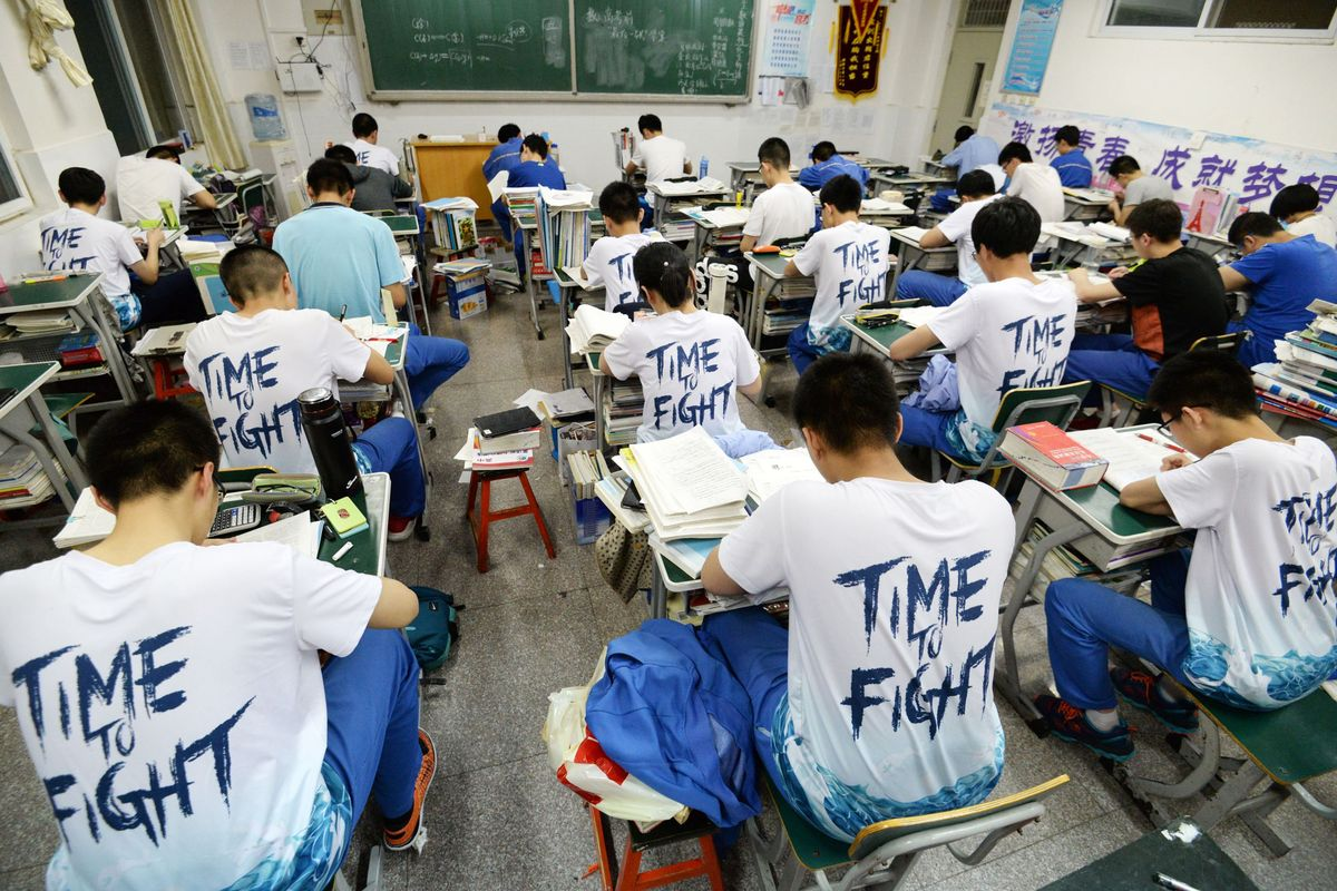 Bí quyết giúp thí sinh Trung Quốc có tỷ lệ đỗ CFA cao