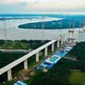 """<p class=""""Normal""""> Ở phía bên kia sông Lòng Tàu, cầu Bình Khánh bắc qua sông Soài Rạp dài 2.763,5 m, nối hai huyện Nhà Bè và Cần Giờ của TP HCM, cũng đang dần thành hình.</p>"""