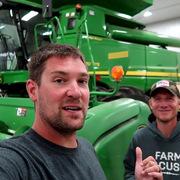 Anh nông dân kiếm tiền từ Youtube gấp năm lần làm nông