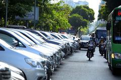 TP HCM đề xuất giữ lại 100% phí đỗ ô tô để trả lương cho nhân viên