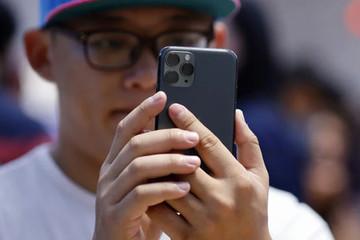 Apple bị nghi ngờ theo dõi người dùng iPhone 11