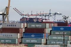 Thương mại của Mỹ thấp nhất trong 16 tháng