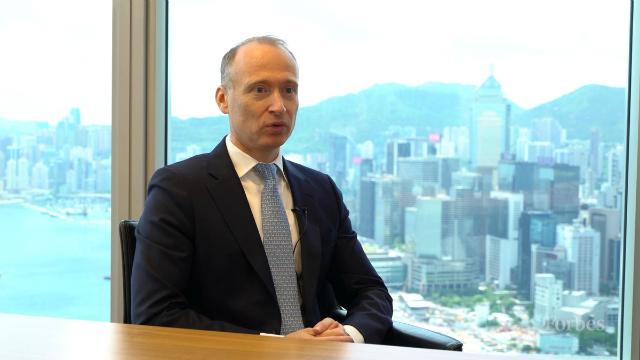 Adrian Zuercher, người đứng đầu mảng phân bổ tài sản khu vực châu Á – Thái Bình Dương tại phòng đầu tư của UBS Global Wealth Management,