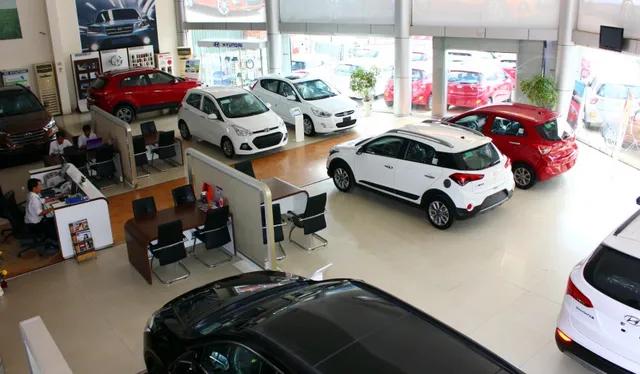 Loạt ôtô giảm giá hàng trăm triệu trong tháng 12, cơ hội vàng cho người mua