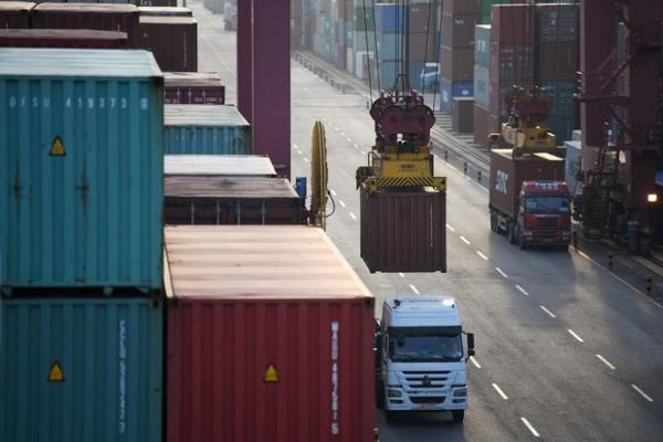 Bị thương chiến ảnh hưởng, xuất khẩu của Trung Quốc sang Mỹ giảm 12 tháng liên tiếp