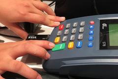Ngân hàng lại cảnh báo về chiêu lừa đảo mới trên mạng xã hội