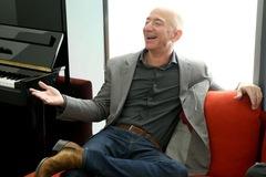 11 sự thật về độ giàu có của ông chủ Amazon