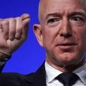 <p> Theo Cơ quan An sinh Xã hội Mỹ, trung bình một người đàn ông có bằng cử nhân của nước này sẽ kiếm được 2,2 triệu USD trong suốt cuộc đời. Jeff Bezos làm điều tương tự chỉ trong vòng chưa đầy 15 phút. Ảnh: <em>Getty</em>.</p>