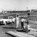 <p> Trong những năm đầu, Aramco không thuộc sở hữu của nhà nước Saudi. Nhưng đến năm 1973, chính phủ Saudi nắm giữ 25% cổ phần Aramco. Cổ phần của chính phủ tăng lên 60% vào năm 1974 và hoàn tất việc quốc hữu hóa trong năm 1980. Năm 1988, Aramco trở thành Saudi Aramco. Ảnh: <em>Getty Images.</em></p>