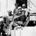 <p> Đến thời điểm này, dầu vẫn chưa được tìm thấy và không có một cuộc thăm dò nghiêm túc nào được triển khai. Trên thực tế, không ai chắc chắn rằng có dầu tại quốc gia này. Điều đó đã thay đổi sau khi các nhà địa chất bắt đầu khảo sát khu vực Dammam Dome, một hệ địa chất gần thành phố Dammam trên bờ biển phía đông Saudi Arabia. Ảnh: <em>Saudi Aramco.</em></p>