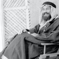 """<p class=""""Normal""""> Nhà địa chất người Mỹ Max Steineke được ghi nhận là người đầu hiện phát hiện ra dầu. """"Những người đứng đầu Socal đã tìm kiếm lời khuyên từ nhà địa chất học Max Steineke. Dựa trên nhiều năm nghiên cứu thực địa ở sa mạc Saudi và kiến thức của mình, Steineke nói hãy tiếp tục khoan"""", trang web của Saudi Aramco viết. Sau khi ông qua đời vào năm 1952, cáo phó của Steineke mô tả ông là """"người phát hiện ra trữ lượng dầu lớn ở Saudi Arabia"""". Ảnh: <em>Wikimedia Commons.</em></p>"""