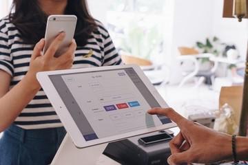 Công ty mẹ của Go-Viet mua lại startup thanh toán 120 triệu USD