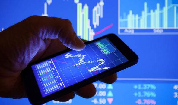 Khối ngoại sàn HoSE mua ròng trở lại 15,5 tỷ đồng trong phiên cuối tuần, gom mạnh CCQ E1VFVN30