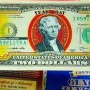 Tờ 2 USD in hình chuột mạ vàng