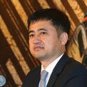 """<p class=""""Normal""""> <strong>15. Ding Shizhong: 5,8 tỷ USD</strong></p> <p class=""""Normal""""> Ding Shizhong là chủ tịch, CEO của Anta Sports, một trong những hãng thời trang thể thao lớn nhất tại Trung Quốc. Anta Sports sở hữu các thương hiệu gồm Fila, Descente, và Kingkow, với doanh thu hơn 3,4 tỷ USD trong năm 2018.</p>"""