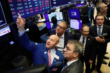 Căng thẳng thương mại Mỹ - Trung hạ nhiệt, Phố Wall lên đỉnh lịch sử mới