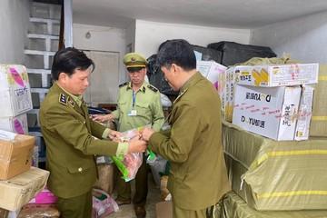 Bắt 800 kg thịt lợn không rõ nguồn gốc xuất xứ tại Hà Nội