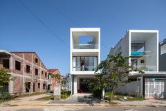 Ngôi nhà rộng 5 mét ở Huế tràn ngập ánh sáng và cây xanh