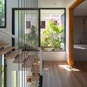<p> Ở gác lửng thứ nhất và thứ hai, kiến trúc sư đã tạo ra 2 phòng ngủ nhiều ánh sáng với cửa gấp linh hoạt.</p>