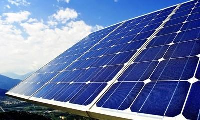 Bộ Công Thương đề nghị các tỉnh tạm dừng đề xuất dự án điện mặt trời theo cơ chế giá FIT