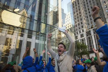 Doanh số iPhone giảm, Apple vẫn kiếm lời gấp 3 đối thủ