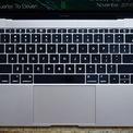 """<p class=""""Normal""""> <strong>Apple Macbook (2015)</strong></p> <p class=""""Normal""""> Thoạt nhìn, Macbook dường như là phiên bản kế cận của dòng sản phẩm Macbook Air. Sản phẩm này khá nhỏ gọn, sang trọng và có một màn hình với độ phân giải cao. Nhưng sức mạnh chip xử lý của dòng máy này khá hạn chế, thêm vào đó là mức giá quá cao, đã khiến cho sản phẩm này không nhận được nhiều sự quan tâm của khách hàng.</p> <p class=""""Normal""""> Phần tệ nhất phải kể đến bàn phím, khiến cho người dùng có cảm giác mình đang gõ những đầu ngón tay của mình vào đá vậy. Chỉ một tác động nhẹ đã khiến bàn phím có phản ứng ngay lập tức, đôi khi gây ra phiền toái cho người dùng. Macbook sẽ không khiến người ta nhớ khi là dòng sản phẩm tiên phong sử dụng màn hình retina độ phân giải cao, mà chính là hệ thống bàn phím """"thảm họa"""" mà Apple đã trang bị cho các sản phẩm laptop của mình.</p>"""