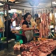 Giá lợn hơi đầu tuần: Bứt phá chạm đỉnh 100.000 đồng/kg
