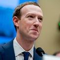 """<p class=""""Normal""""> <strong>2.<span> </span>Mark Zuckerberg</strong></p> <p class=""""Normal""""> Thay đổi tài sản: 22,1 tỷ USD</p> <p class=""""Normal""""> Tài sản tính đến ngày 13/12: 72 tỷ USD</p> <p class=""""Normal""""> Khi cuộc bầu cử tổng thống Mỹ 2020 đang đến gần, Mark Zuckerberg và Facebook tiếp tục là đối tượng hứng chịu nhiều chỉ trích - từ ứng cử viên tổng thống cho đến Jack Dorsey, CEO Twitter. Dù vậy, cổ phiếu của mạng xã hội lớn nhất thế giới vẫn tăng 48% trong năm qua, giúp Mark bỏ túi hơn 22 tỷ USD. (Ảnh: <em>AP</em>)</p>"""