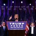 """<p class=""""Normal""""> <strong>7.<span> </span>Donald Trump trở thành tổng thống tỷ phú đầu tiên của Mỹ</strong></p> <p class=""""Normal""""> Sau cuộc bầu cử gây chấn động thế giới, Donald Trump trở thành tổng thống tỷ phú đầu tiên của Mỹ vào tháng 1/2017. Tài sản của ông Trump, phần lớn bao gồm bất động sản Manhattan, ước tính trị giá 3,7 tỷ USD vào thời điểm đó và hiện giảm còn 3,1 tỷ USD.</p>"""