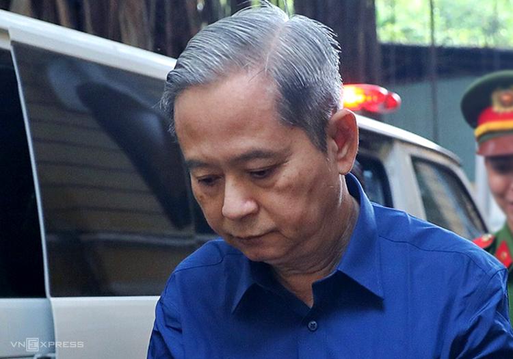 Cựu Phó chủ tịch TP HCM Nguyễn Hữu Tín hầu tòa