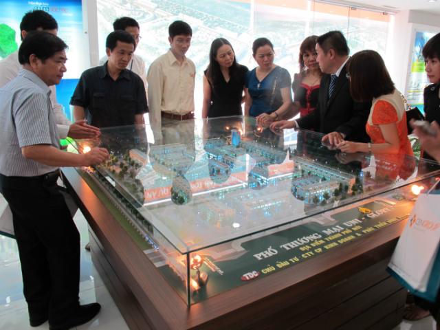 Pic 1: Hệ thống Siêu thị dự án Bất động sản STDA của CenLand từng trưng bày hàng tram mô hình dự án trên cả nước.