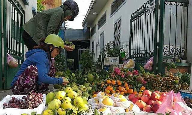 Trái cây tăng giá mạnh trước Tết